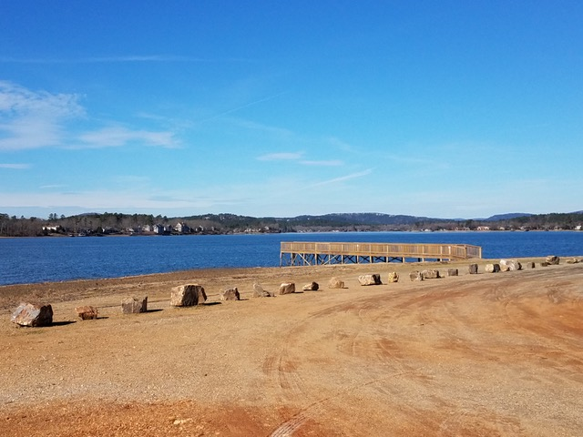 Hot Springs Village, Arkansas, Lake Balboa Fishing Pier photo courtesy of Karen Perry)